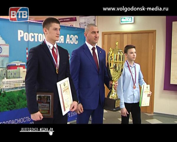На первенстве России по рукопашному бою победителями стали спортсмены из Волгодонска