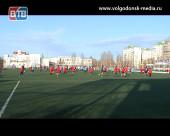 Спорт объединяет. Несколько поколений футболистов Волгодонска вышли на единовременный поединок в честь открытия года детского спорта в Ростовской области
