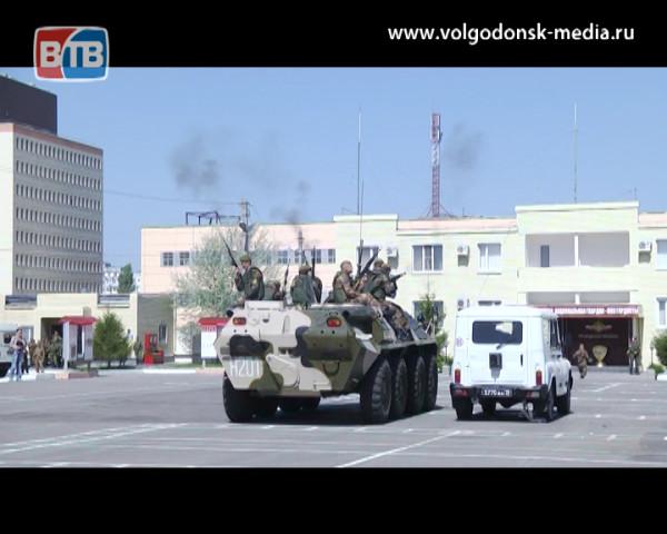 В войсковой части 3504 расположенной на территории Волгодонска прошел День призывника