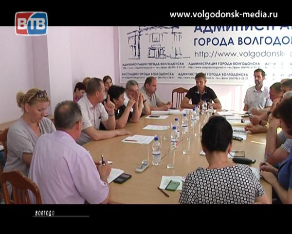 В Волгодонске решают проблему возможности захоронения рядом с почетными жителями города их супругов