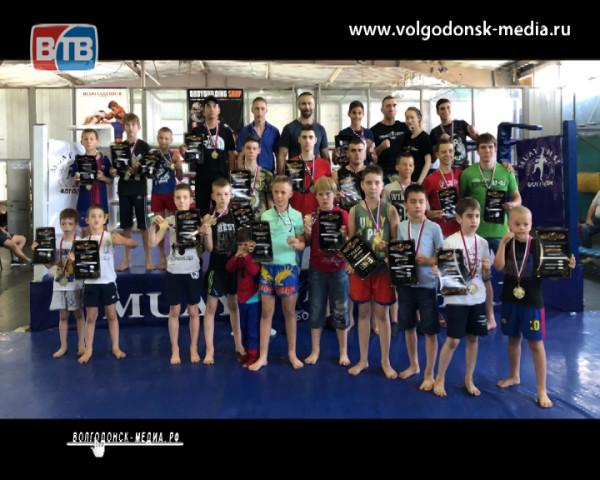 В Волгодонске состоялся городской открытый чемпионат по тайскому боксу