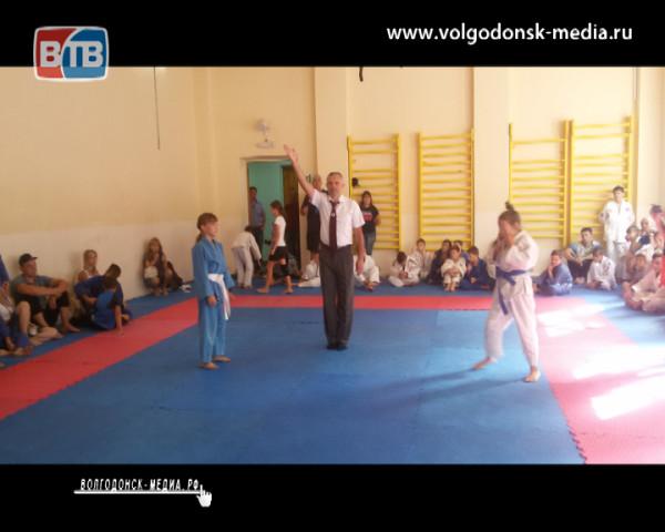 Волгодонские дзюдоисты приняли участие в Открытом Областном турнире прошедшем в Таганроге
