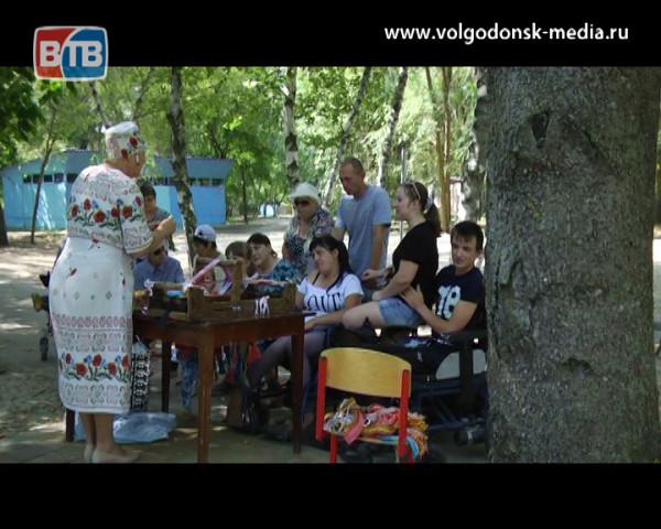На берегу Дона прошел мастер-класс для инвалидов-колясочников