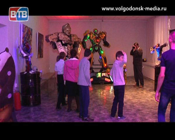 В Волгодонск приехала интерактивная выставка «Трансформеры и супергерои»