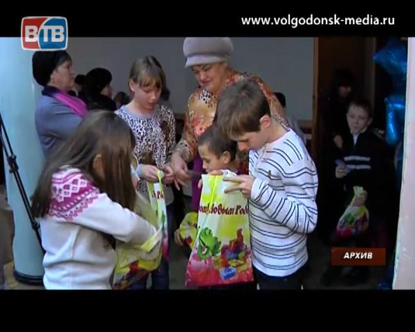 Сладкие новогодние подарки для детей Волгодонска поставит фирма из Тамбова