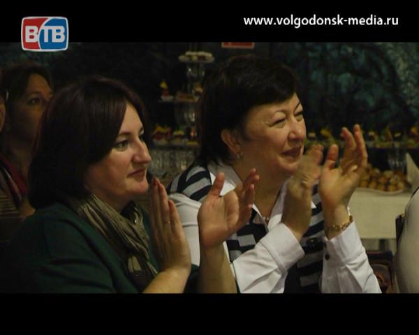 Волгодонск в преддверии Дня матери чествует женщин на первом региональном фестивале