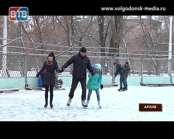 При стабильной температуре в -10 градусов в парке Победы  зальют каток