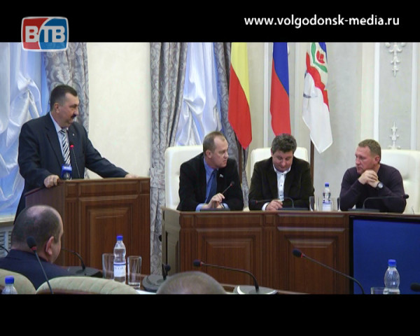 Депутаты Волгодонска потребовали ужесточить борьбу с незаконной уличной торговлей
