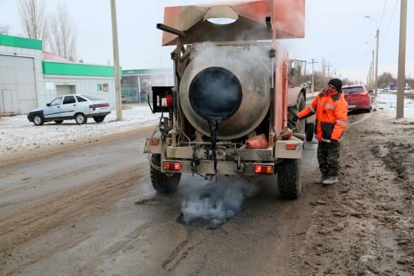 В Волгодонске приступили к дорожному ремонту с использованием литого бетона