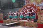 Тысячи волгодонцев пришли отпраздновать Масленицу на площадь Победы