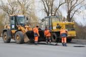 Виктор Мельников потребовал до 1 мая завершить ямочный ремонт дорог на центральных улицах