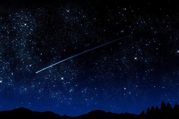 В апреле жители Ростовской области увидят метеорный поток Лириды
