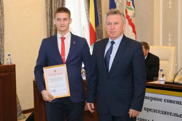 Виктор Мельников поздравил волгодонских рукопашников с победой на Первенстве страны