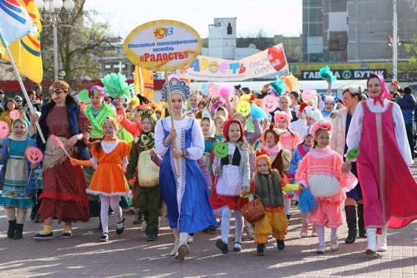 В Волгодонске состоялся ХIV фестиваль-конкурс детского и юношеского творчества «Южный ветер»