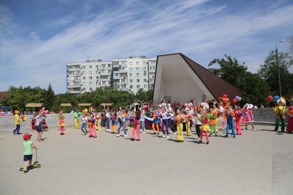 В Волгодонске состоялось торжественное открытие обновленного сквера «Дружба»