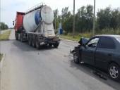 В Волгодонске при столкновении легкового авто и цистерны пострадал 21-летний парень