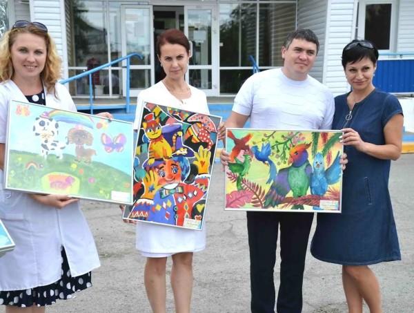 Ростовская АЭС: 182 детских рисунка участников акции «От сердца к сердцу» переданы медицинским учреждениям