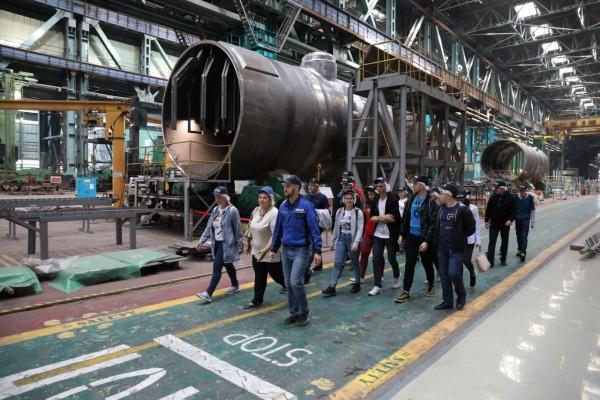 На Атоммаше прошла экскурсия для горожан: завод посетили более 500 человек
