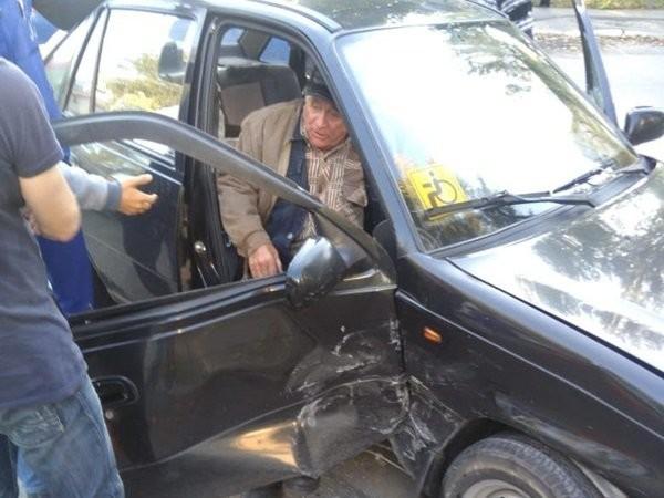 В Волгодонске 81-летний пенсионер пострадал в столкновении с иномаркой