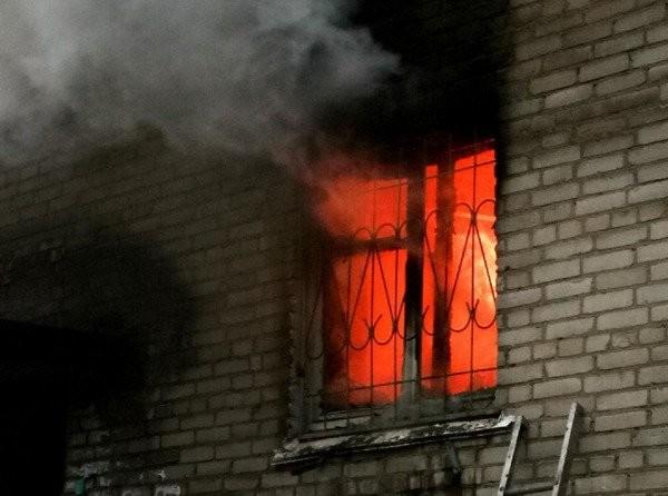 В Волгодонске произошел пожар в жилом доме: есть погибшие