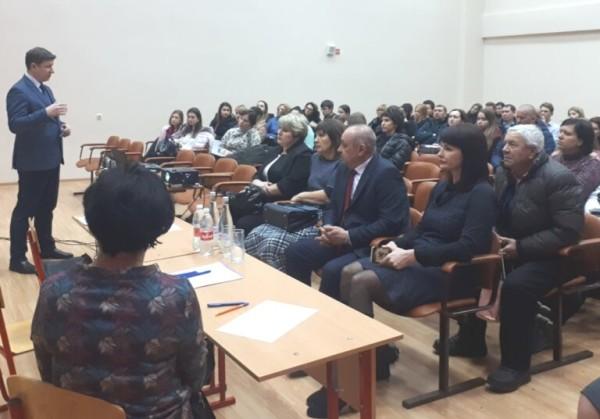 Руководители учреждений здравоохранения Волгодонска встретились со старшеклассниками, выбравшими медицинскую специальность