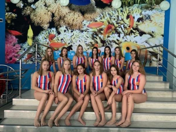 Сборная Ростовской области по водному поло среди девушек до 17 лет выиграла первенство и вышла в финал Х летней Спартакиады учащихся