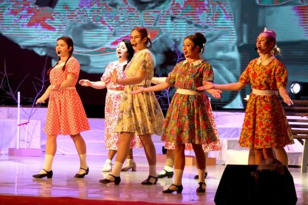 7 марта во дворце культуры «Октябрь» состоялся концерт «Старые песни о главном»