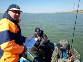 Полицейские, спасатели и Роспотребнадзор провели рейд по Сухо-Соленовскому заливу