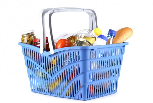 Волгодонские школьники из льготных категорий получают продуктовые наборы