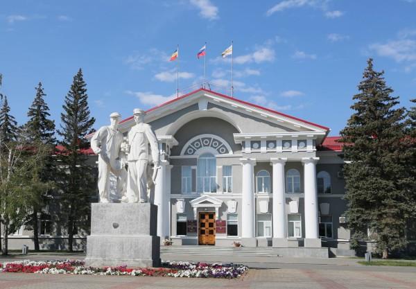 На внеочередном заседании городской думы депутаты поддержали предложение главы администрации Волгодонска о снижении с 1 января 2020 года ставки ЕНВД с 15% до 7,5%
