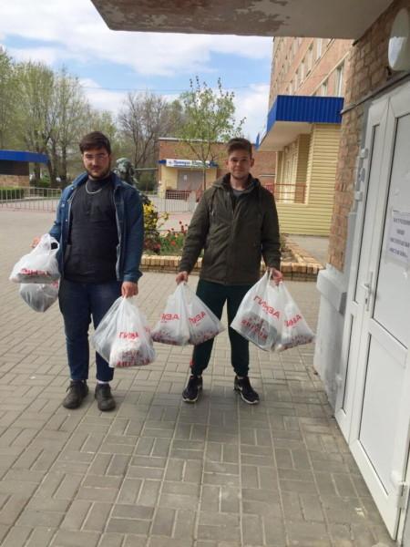 Сергей Ладанов: «Врачи коронавирусного госпиталя, конечно, герои. Но и герои должны есть»