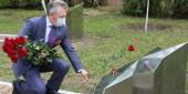 Виктор Мельников: «Парадом мы еще пройдем и День Победы отметим!». Сегодня в Волгодонске возложили цветы к обелискам Победы