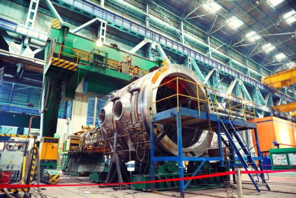 На Атоммаше приступили к сварке верхнего полукорпуса реактора для второго блока АЭС Руппур