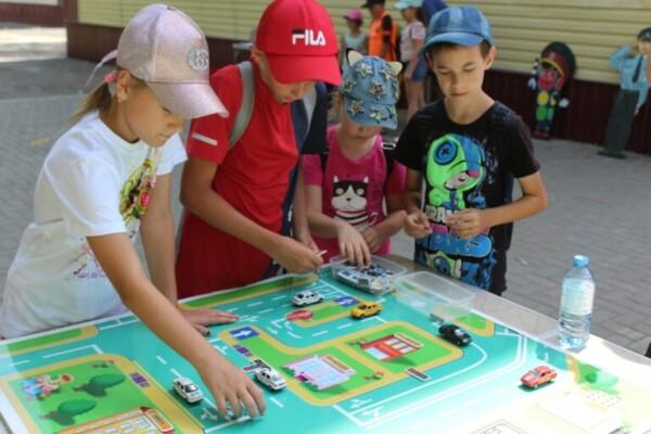 В Волгодонске начала работу мобильная автошкола «Академия дорожной безопасности»