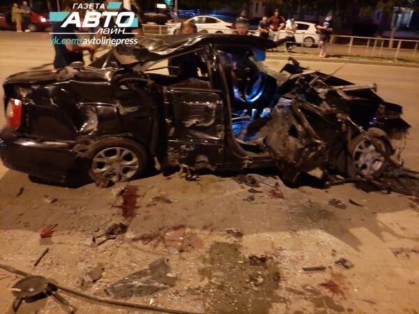 В ночном ДТП погиб водитель Хендай Акцент