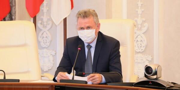Виктор Мельников: угроза распространения коронавируса не снижается, соблюдать масочный режим необходимо