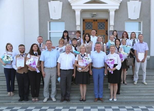 За десять лет МФЦ Волгодонска оказал полтора миллиона услуг и в 100 раз увеличил число приема заявителей