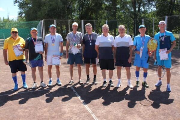 tennis-14-768x512