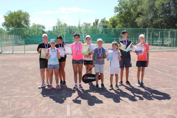 tennis-15-768x512
