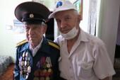 Ветераны – участники Курской битвы и освобождения Ростовской области и Белоруссии принимают поздравления дома