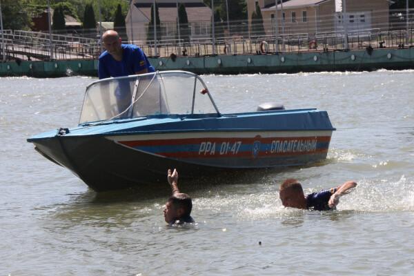 С начала года в Ростовской области спасено 37 утопающих, в том числе двое детей