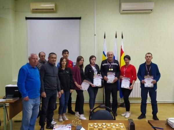 Подвели итоги городского первенства по шашкам среди жителей микрорайонов Волгодонска