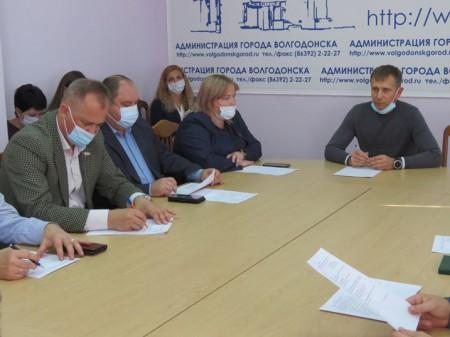 Город к зиме готов: депутаты обсудили итоги подготовки объектов ЖКХ и социальной сферы