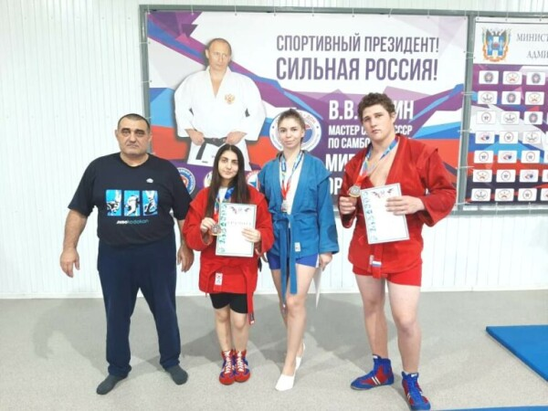 Волгодонские спортсмены завоевали награды на чемпионате Ростовской области по самбо