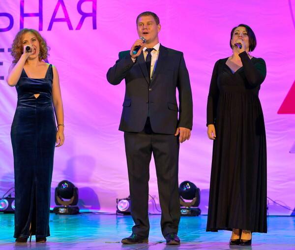 Первое место, специальный приз жюри и приз зрительских симпатий «Вокальной эстафеты — 2020» присуждены сотрудникам Ростовской АЭС