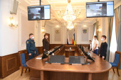Накануне Дня народного единства в донском парламенте вручили награды юным героям