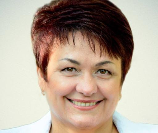 Председатель Общественной палаты города Волгодонска Людмила Ткаченко поздравляет горожан с Днем народного единства