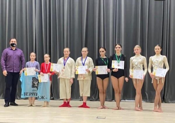 С танцевального форума «Евразия-2020» вологодонский «Вернисаж» привез 19 медалей