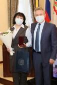 Председатель Волгодонского местного отделения общественно-государственной организации «Союз женщин России» отмечена знаком донского губернатора