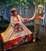 В преддверии зимних праздников молодежный драмтеатр Волгодонска подготовил новогоднюю праздничную программу